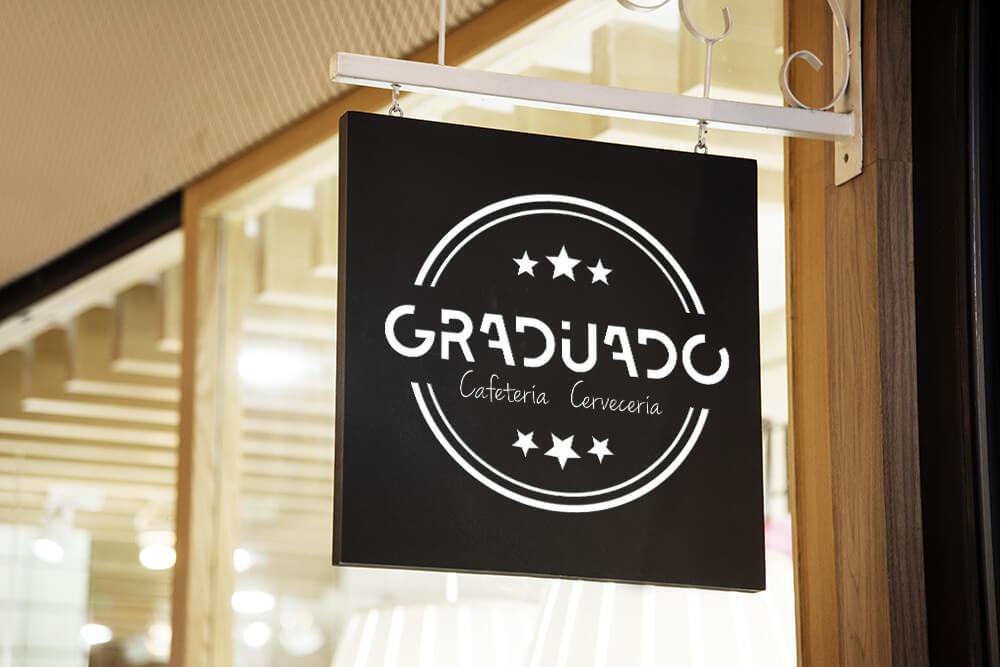 Graduado. Cafetería & Cervecería.